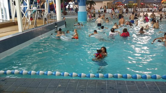 Skyline Hotel & Waterpark: water park that is conected to the hotel