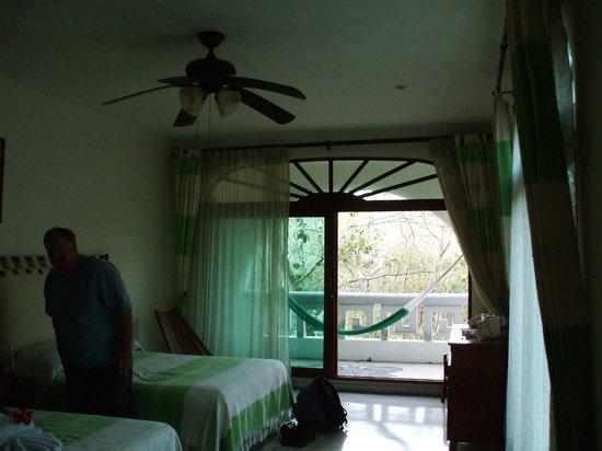 Hotel Oka'an: room onto patio