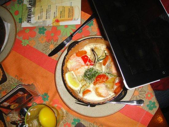 Restaurant U Kaspara: Cozido de salmão com legumes