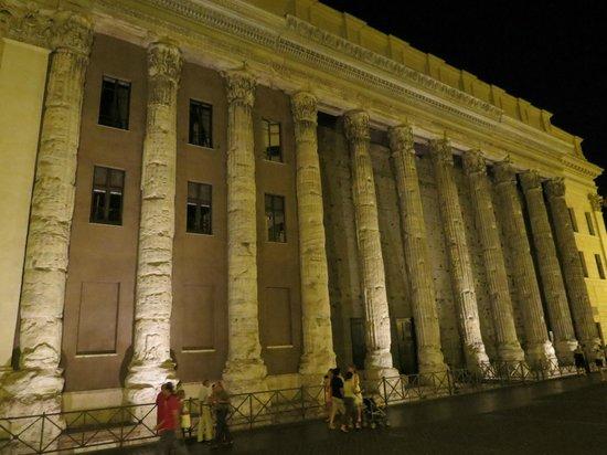 Hadrian's Temple : At Night