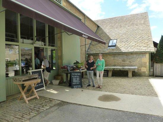 Daylesford Organic Farm Cafe: DAYLESFORD FARM SHOP, KINGHAM, UK