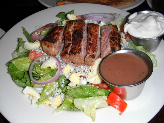The Boathouse: Steak and Bleu Salad