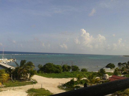 Ko'ox El Hotelito Beach Hotel: De fondo el arrecife