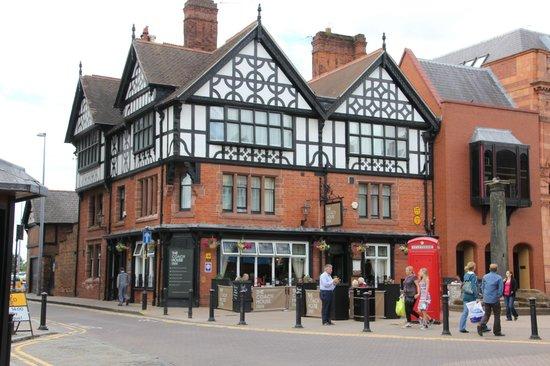 The Coach House: The Old Coach Inn, Chester