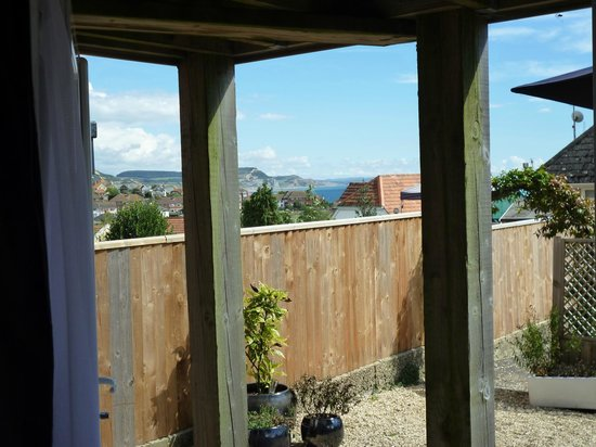 Rotherfield House B&B: LYME BAY FROM FRENCH WIDOWS