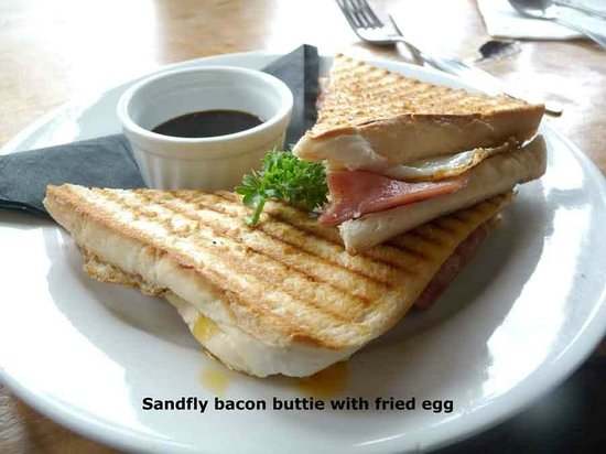 Sandfly Cafe: Sandfly Bacon Buttie