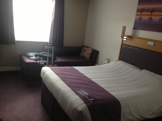 Premier Inn Derby East Hotel: room2