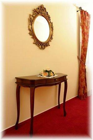 Hotel U krale: Interior