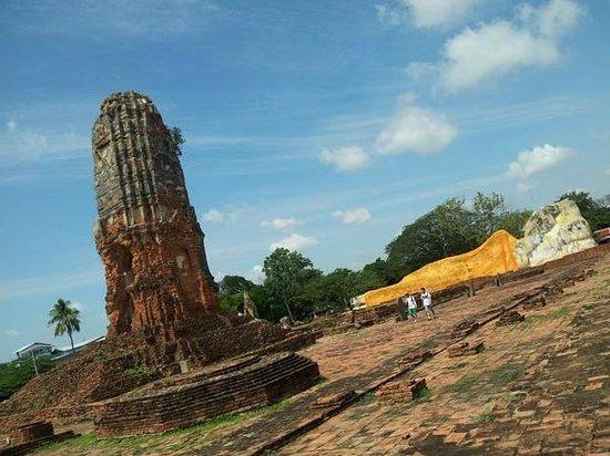 Temple of the Reclining Buddha (Wat Lokayasutharam) : Wat Lokayasutharam