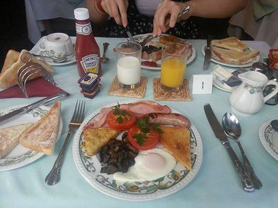 Minton Lodge Hotel: Breakfast