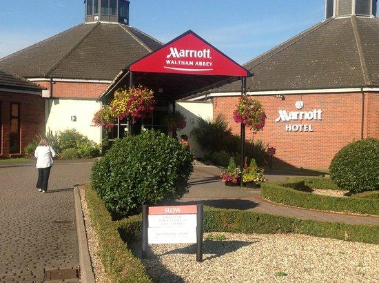 Waltham Abbey Marriott Hotel: Main entrance