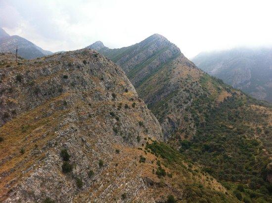 Bar Stari Grad: Mountains near Stari Bar