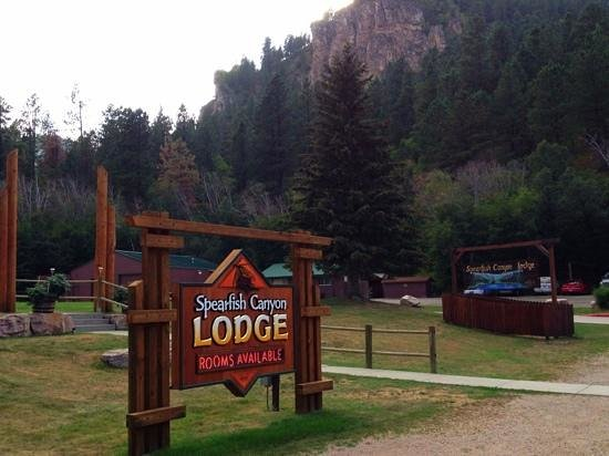 Spearfish Canyon Lodge: entrance