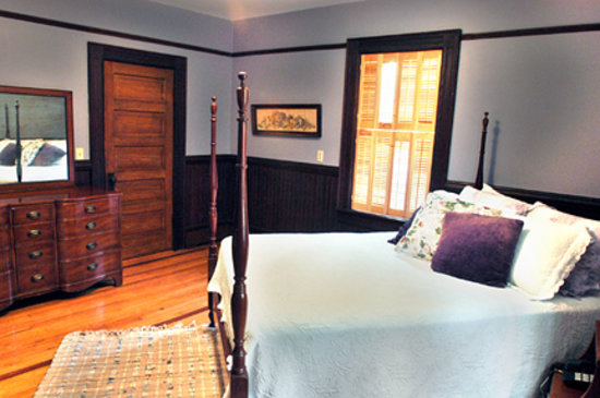 Twin Maples Farmhouse: Warm and inviting rooms