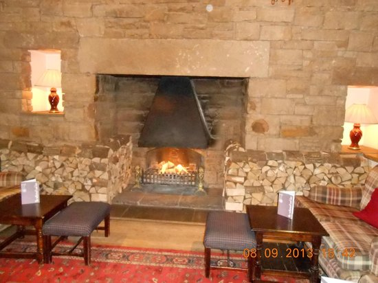 North Lakes Hotel & Spa: Cosy fireplace
