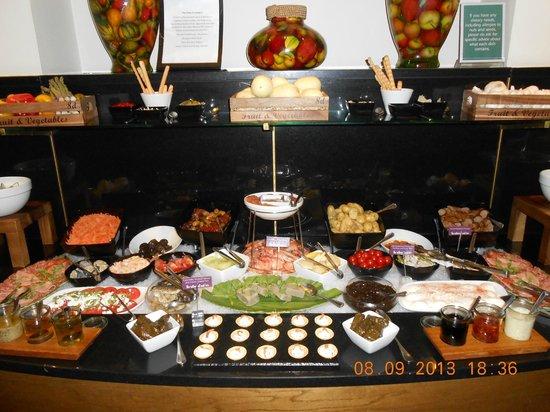 North Lakes Hotel & Spa: Buffet