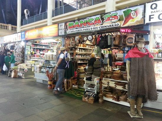 Artesanato Garrafa Pet ~ Barracas de artesanato e comidas típicas Foto de Mercado Público de Porto Alegre, Porto