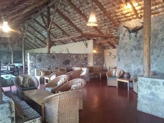 Ndutu Safari Lodge : sala da pranzo