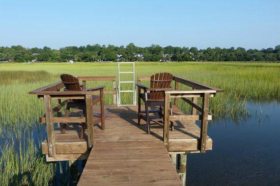 Plantation Oaks Inn: Relax away!