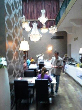 Friday Hotel Prague: sala do café da manhã