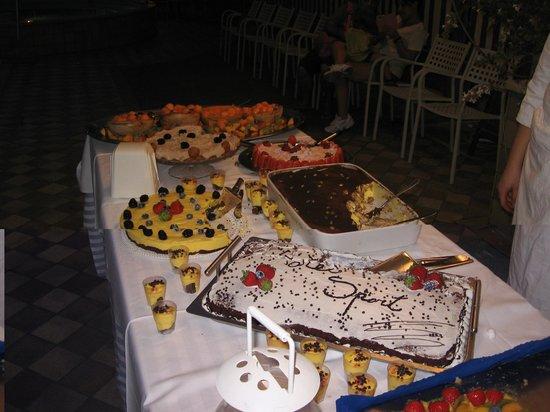 Hotel Sport & Residenza: buffet di dolci