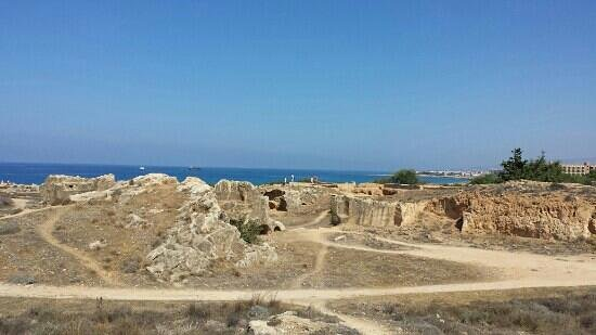 Panklitos Apartments : tomb of kings just a 5 minute walk away.