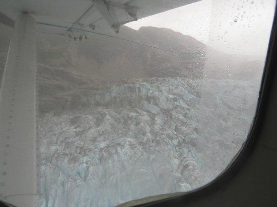 Talon Air Service: Glacier views up close