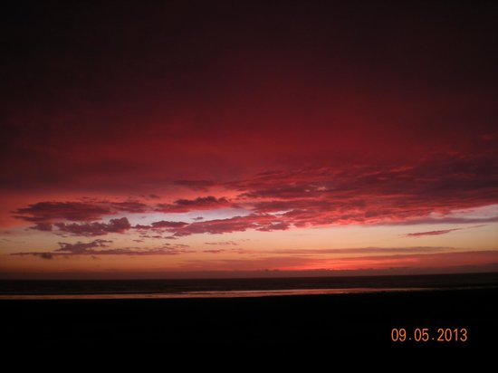 Moonstone Beach Motel : Another fabulous sunset!