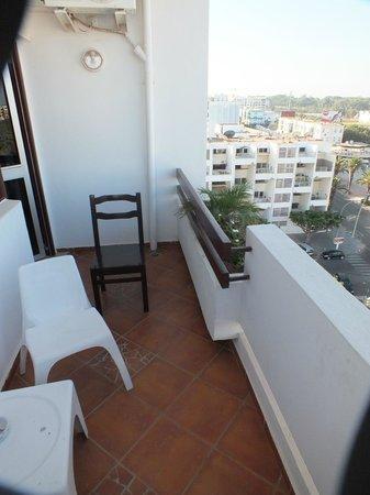 Studiotel afoud : Le petit balcon de la chambre