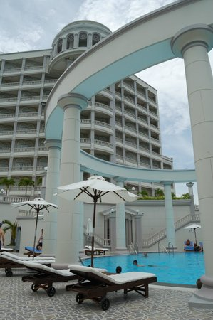 Sunrise Nha Trang Beach Hotel & Spa: View of part of the hotel from the pool area