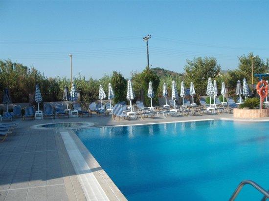 Orion Hotel: Piscina_01