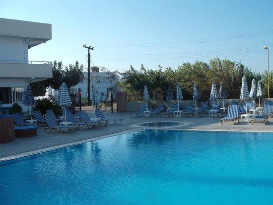 Orion Hotel: Piscina_03