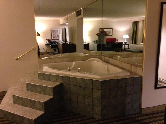 Best Western Premier The Central Hotel & Conference Center : Hot tub!