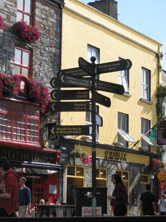 Periwinkle Bed & Breakfast: Historic Galway