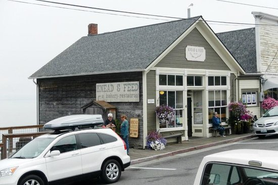 Knead & Feed Restaurant: Exterior of Building