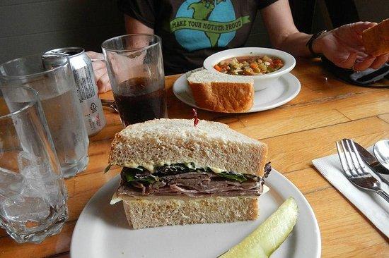 Knead & Feed Restaurant: Lunch