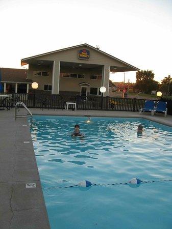 Best Western Graham's: Outdoor Pool- Graham's