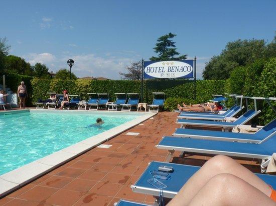 Hotel Benaco : Poolbereich