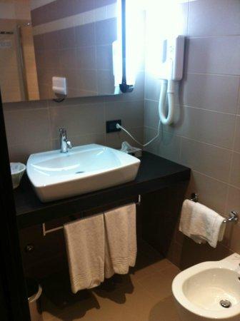La Conchiglia Hotel: banheiro moderno