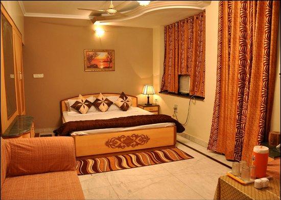 Mahima Hotel