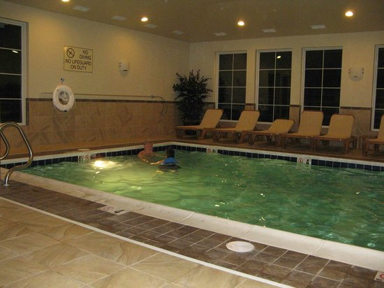 Best Western Shelby Inn & Suites: Wheelchair accessible pool