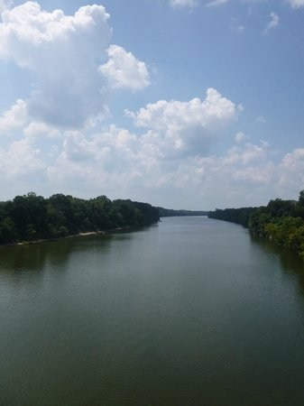 Selma to Montgomery: The Alabama River from the Pettus bridge