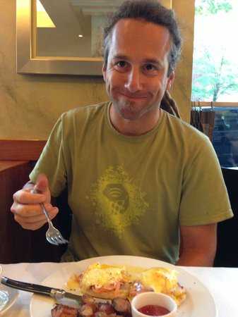 Heathman Restaurant & Bar: Hubby enjoying his food.