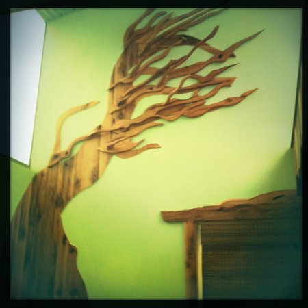 The Small B&B Cafe: Treehouse room wall