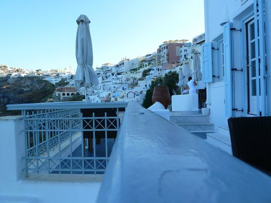 Athina Luxury Suites: And in the morning