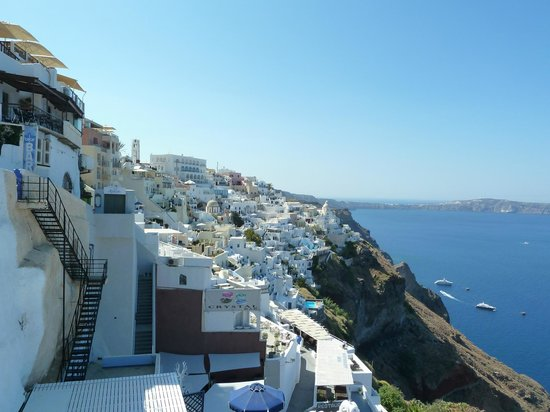 Athina Luxury Suites: The hotel is somewhere in the background