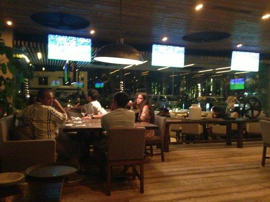 Sonora Grill Prime Vallarta: Diners at Sonora Prime