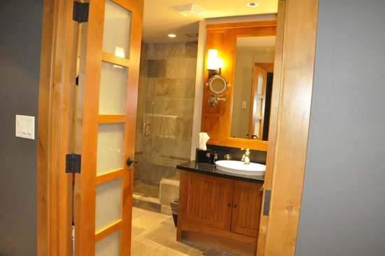 Nita Lake Lodge : Bathroom
