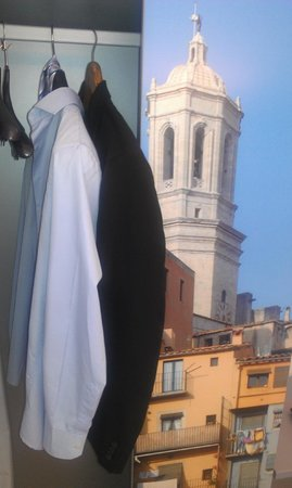 Sidorme Girona: perchero armario