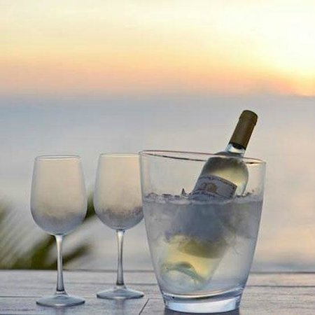 Drift Ocean Terrace Lounge: Enjoy our fabulous selections of wines by the glass and bottle